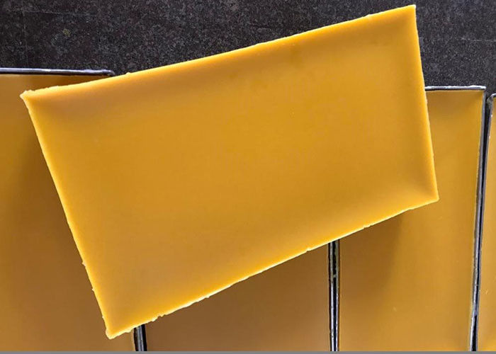 Grade B Pure Natural Beeswax , Honey Made Products For Making Comb